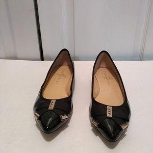 Ivanka Trump black pointy toe bow flats sz 8.5